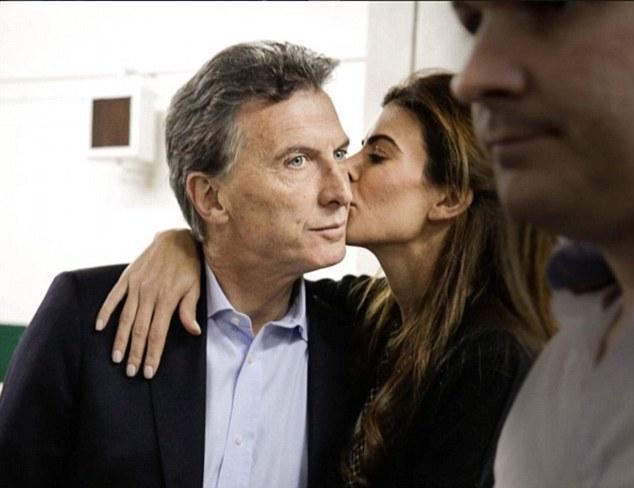 Mauricio Macri Admits Wife Juliana Awada She's 'insatiable' In Bed
