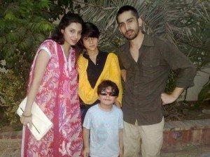 Meet Shahrukh's Heroine Mahira-a Single Mom Of Two Kids   Shahrukh