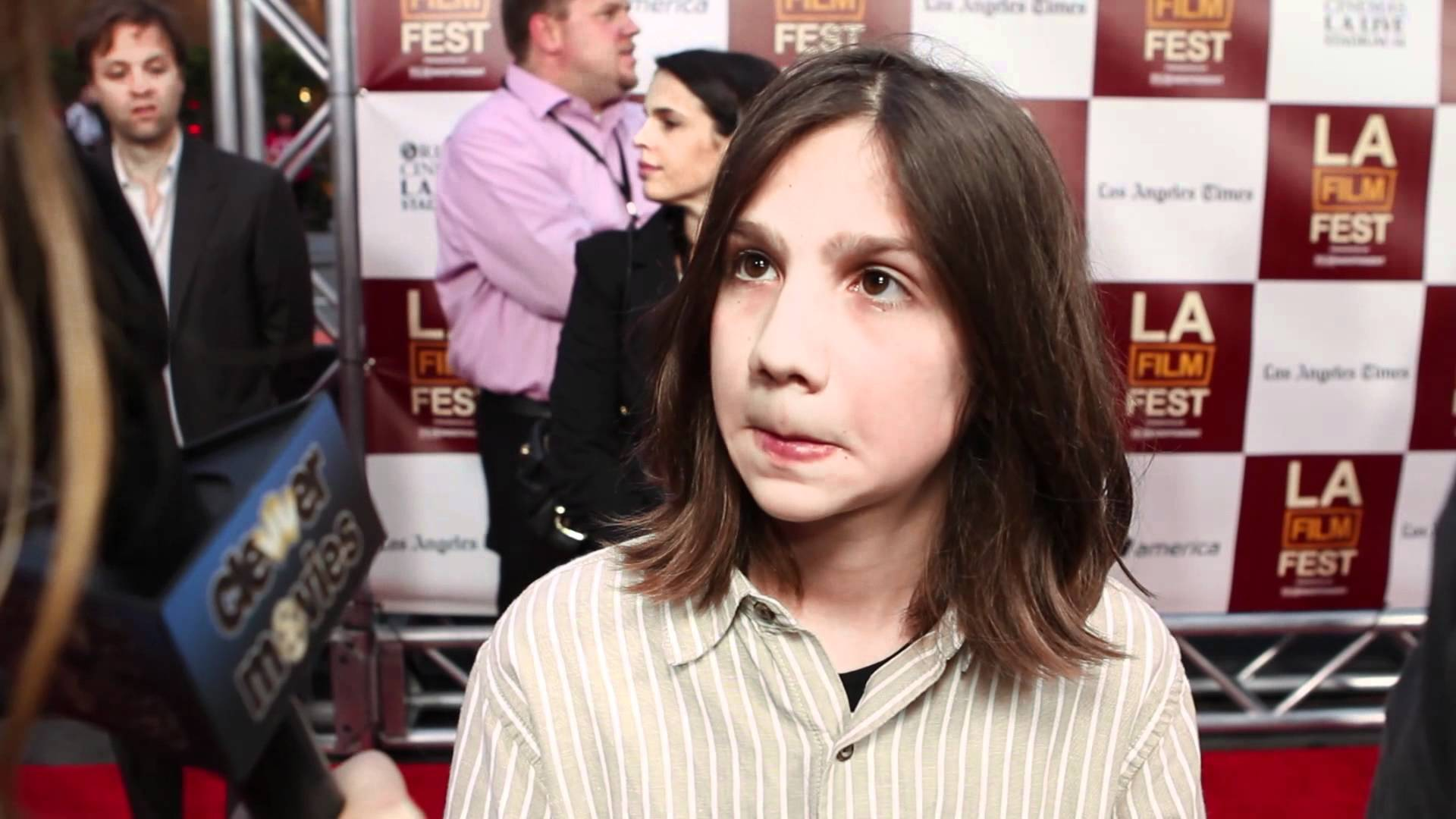 Michael Hall D'Addario 'People Like Us' Premiere Interview - YouTube