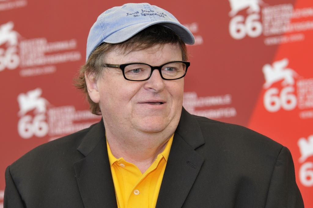 Michael Moore     Banned By One Ohio Theater     Finds Another To Film
