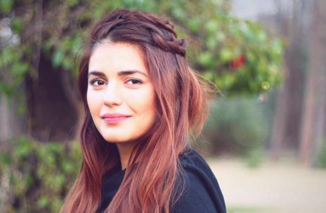Momina Mustehsan - Pakistani Singer - All Songs (MP3/Video