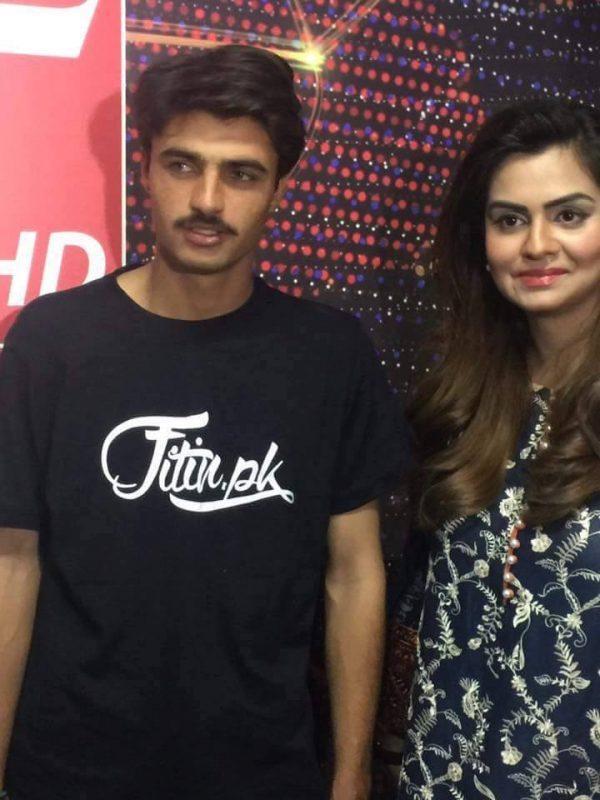 Morning Show Host Sundas Khan Talking With Arshad Khan Aka Mr