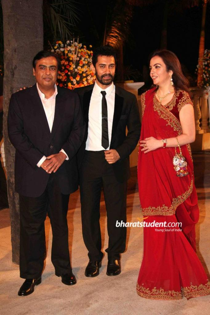 Mukesh Ambani, Aamir Khan & Nita Ambani Imran Khan & Avantika