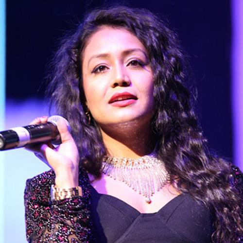 Neha Kakkar Breaks Down On The Stage, Regrets Being A Celebrity And