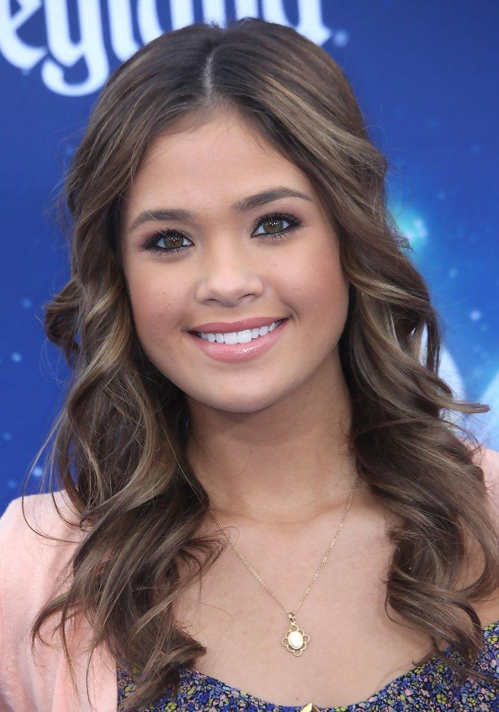 Nicole Gale Anderson Pictures, Photos & Images - Zimbio