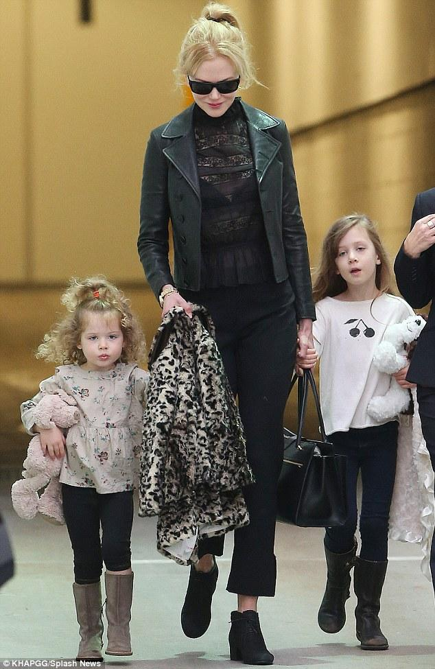 Nicole Kidman Lands In Sydney With Her Little Ladies Sunday Rose