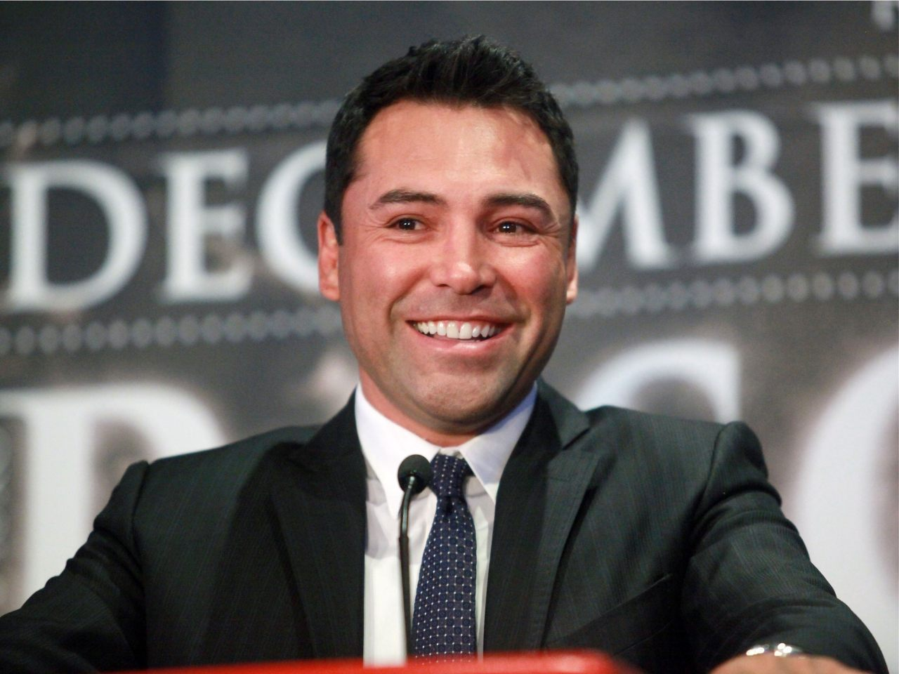 Oscar De La Hoya: Trump 'Is Trying To Get Hillary Clinton Elected