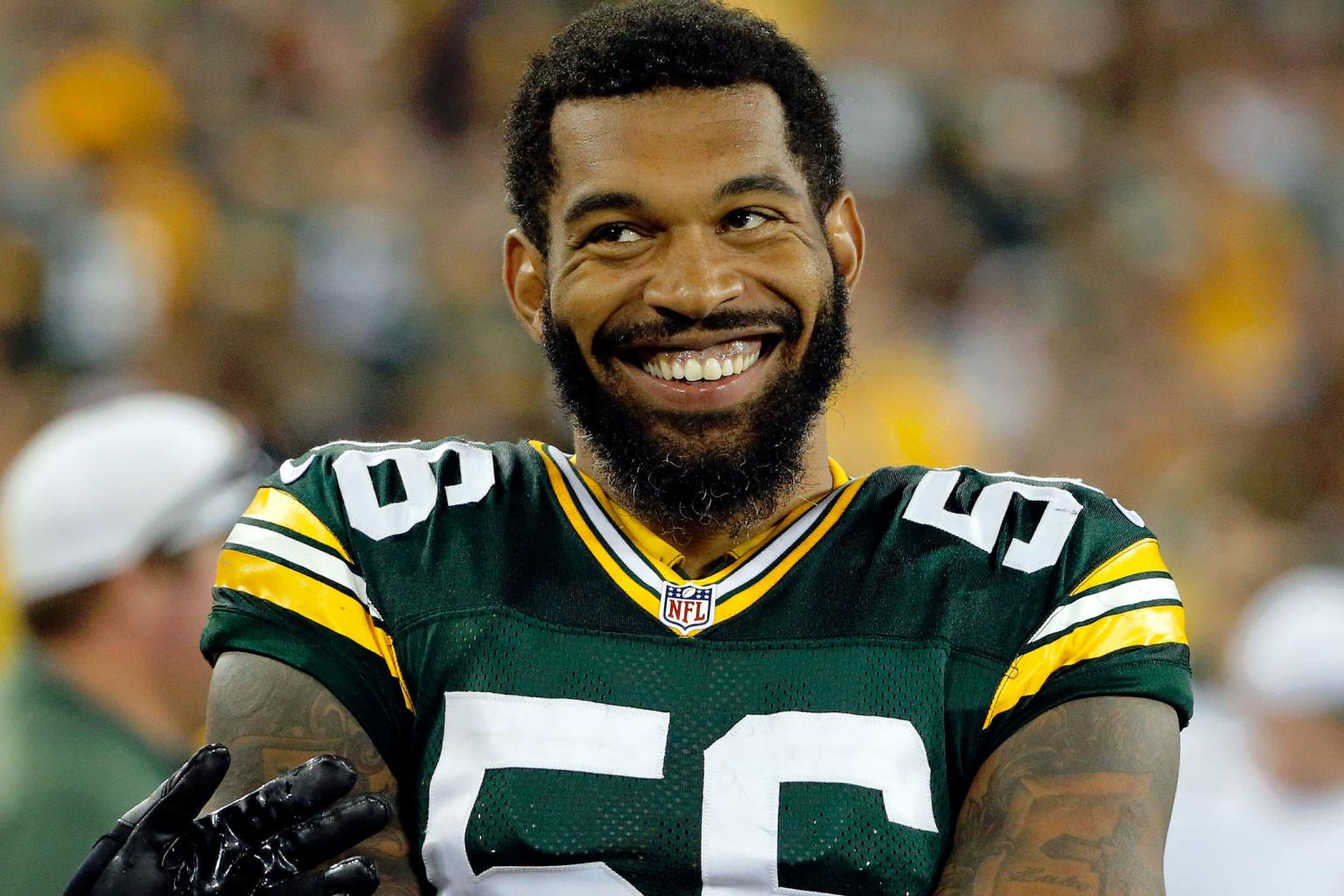 Packers Linebacker Julius Peppers Selling Chicago Area Home