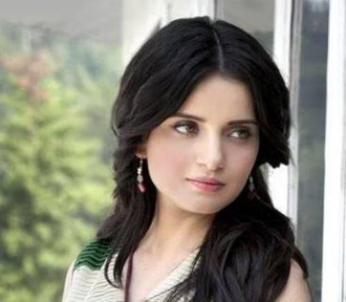 Pakistani Fashion Model Armeena Rana Khan Profile & Pictures