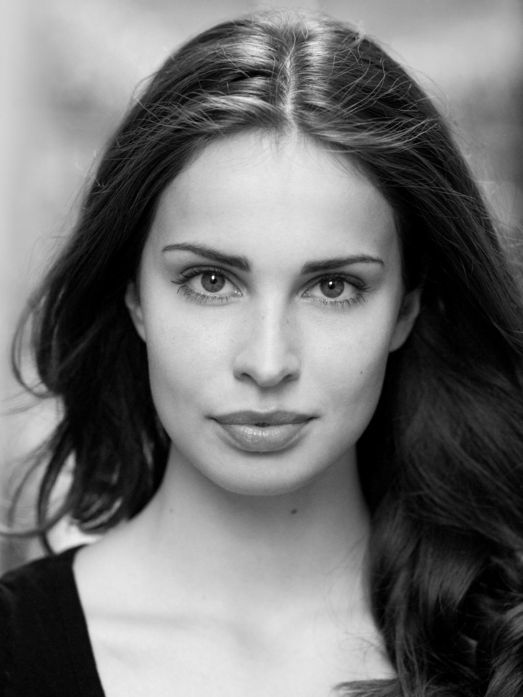Picture Of Heida Reed