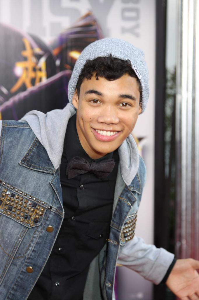 Pictures Of Roshon Fegan - Pictures Of Celebrities