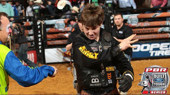 Professional Bull Riders - Lockwood Is Still Aiming For The