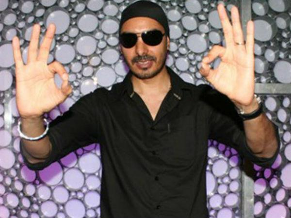 Punjabi Singer Sukhbir Singh Detained At Lahore Airport - Oneindia