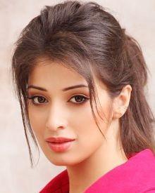 Raai Lakshmi (Lakshmi Rai) Biography, Wiki, DOB, Family, Profile