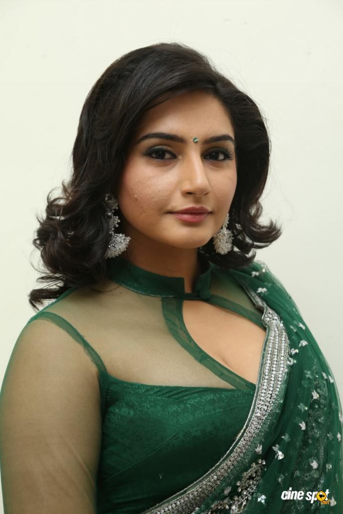 Ragini Dwivedi Actress Photos