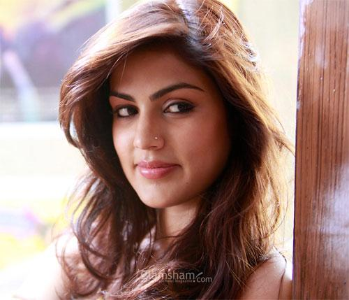 Rhea Chakraborty: I Want To Do A Romantic Film With Aditya Roy Kapur