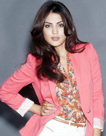Rhea Chakraborty Wiki,biography,dob,family And Profile Info