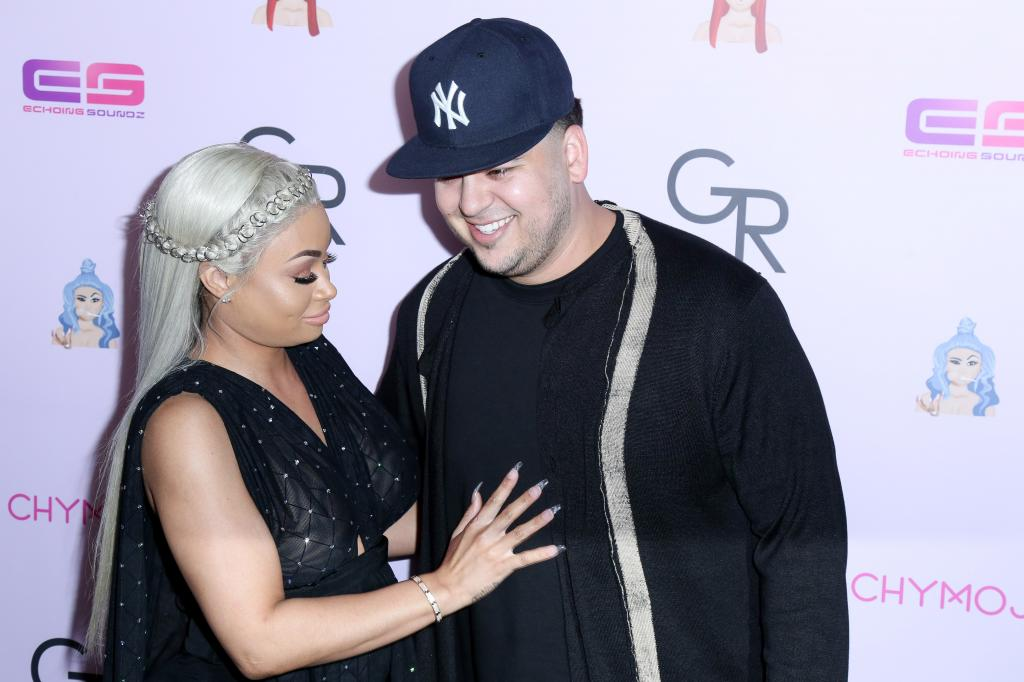 Rob Kardashian Noticeably Absent From Blac Chyna's Family Photo - In