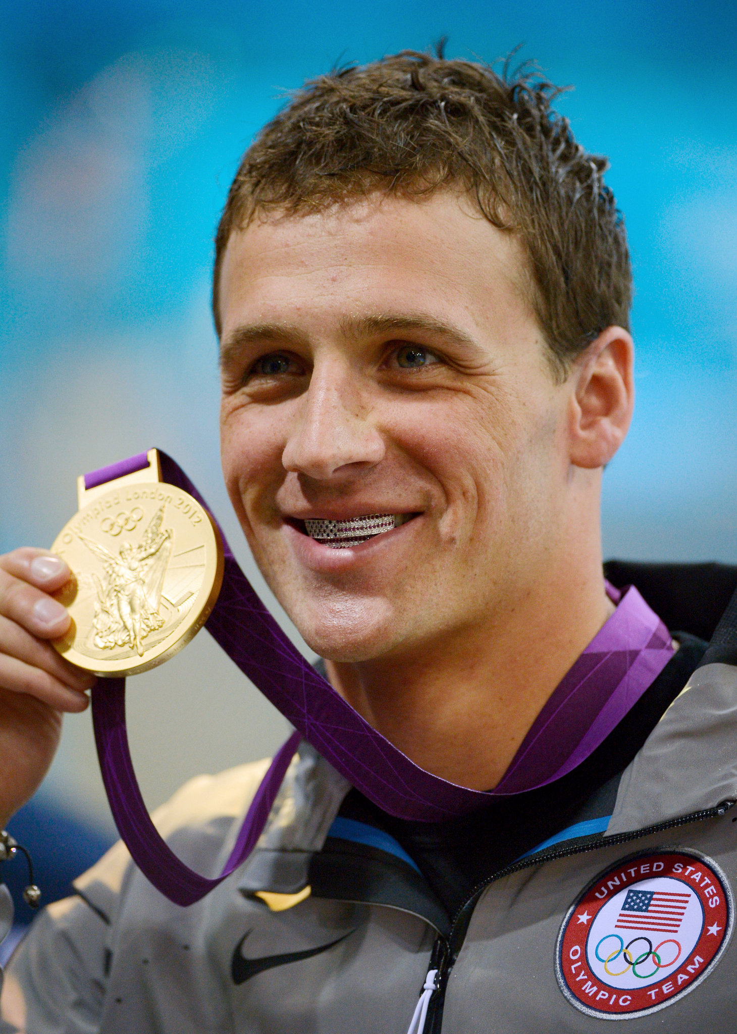 Ryan Lochte's Grill Gets A Mixed Response - The New York Times