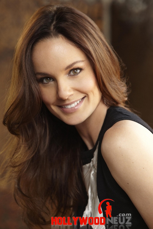 Sarah Wayne Callies Biography  Profile  Pictures  News