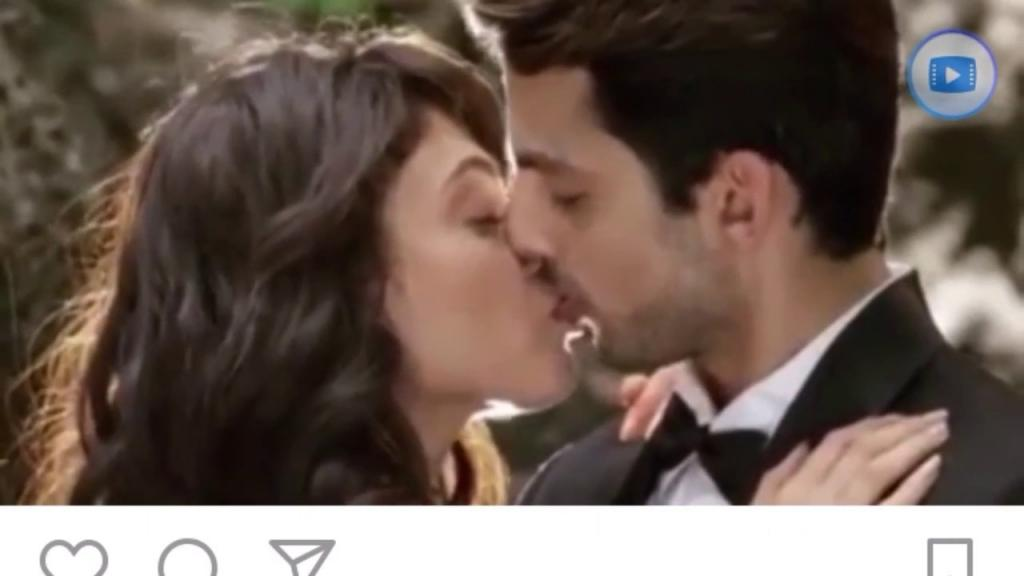 Sayesha Saigal Latest Hot Kiss Viral On YouTube - YouTube