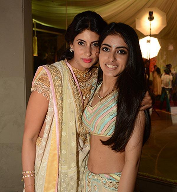 Shah Rukh Khan's Son Aryan Khan, Amitabh Bachchan's Granddaughter