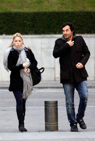 Shakira And Antonio De La Rua Photos Photos - Shakira And Antonio