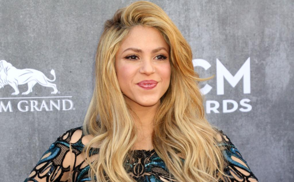 Shakira Displays Her Sculpted Abs In Post-Baby Body Photo!   Newsies