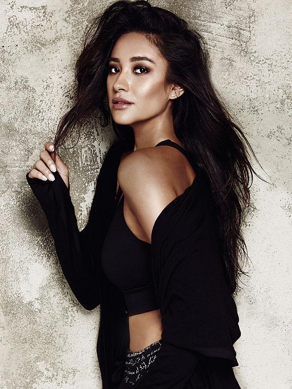 Shay Mitchell photos and wallpapers