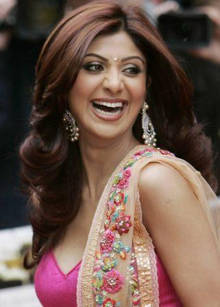Shilpa Shetty Height, Weight, Age, Affairs, Husband, & Much More