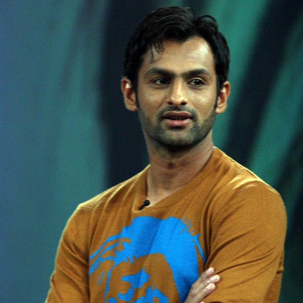 Shoaib Malik Pictures To Pin On Pinterest - PinsDaddy