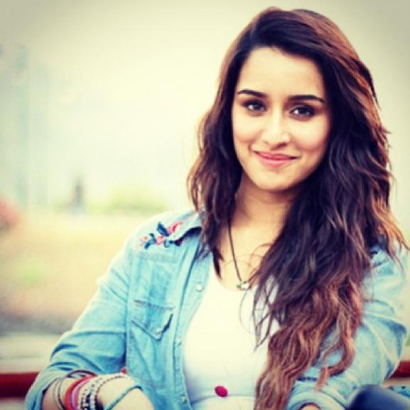 Shraddha Kapoor Cute HD Wallpaper