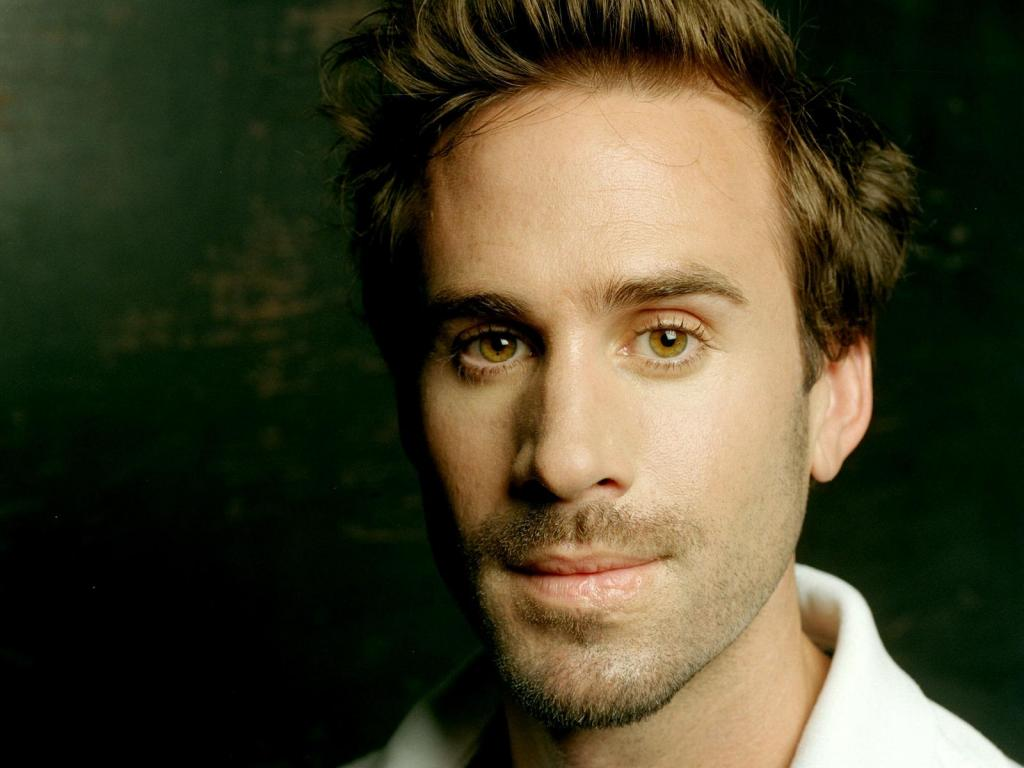 Something About Joseph Fiennes Playing Michael Jackson In A New