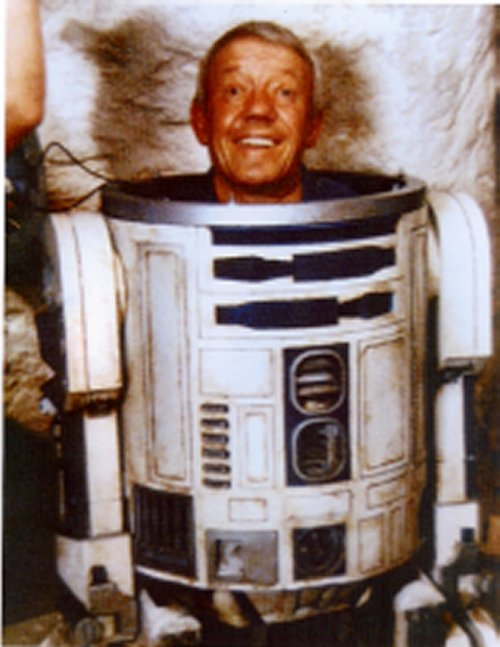 Star Wars - How Were R2D2 And C3PO Made In The Original Trilogy