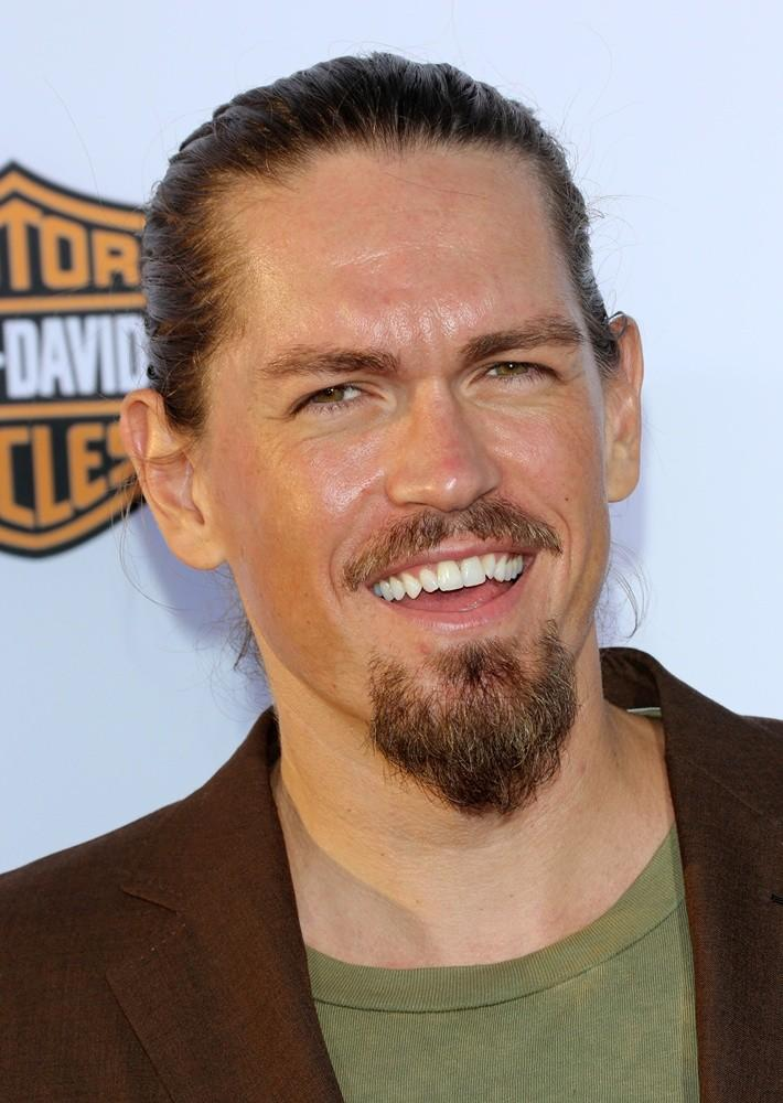 Steve Howey Pictures, Latest News, Videos And Dating Gossips