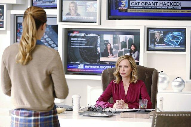 Still of Calista Flockhart and Melissa Benoist in Supergirl
