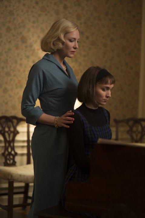 Still of Cate Blanchett and Rooney Mara in Carol (2015)
