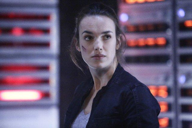 Still of Elizabeth Henstridge in Agents of S.H.I.E.L.D. (201