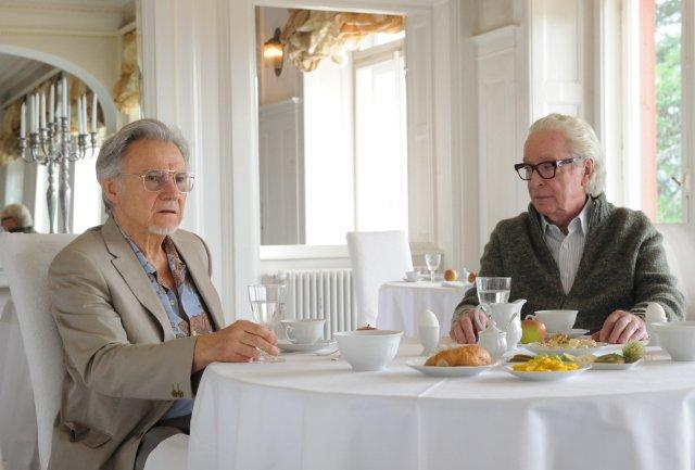 Still of Harvey Keitel and Michael Caine in Youth (2015)