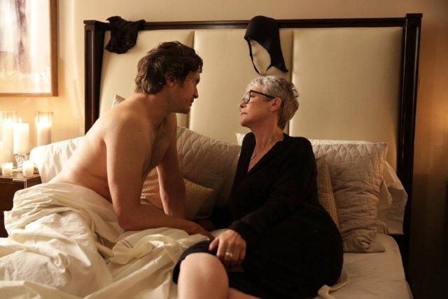 Still of Jamie Lee Curtis and Oliver Hudson in Scream Queens