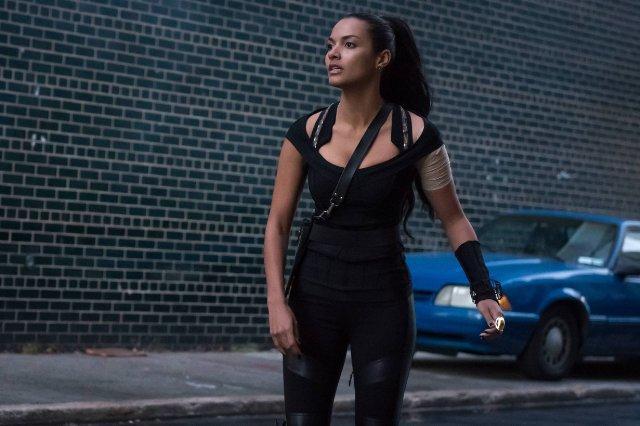 Still of Jessica Lucas in Gotham (2014)