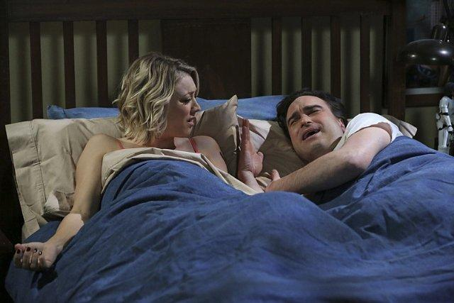 Still of Kaley Cuoco and Johnny Galecki in The Big Bang Theo