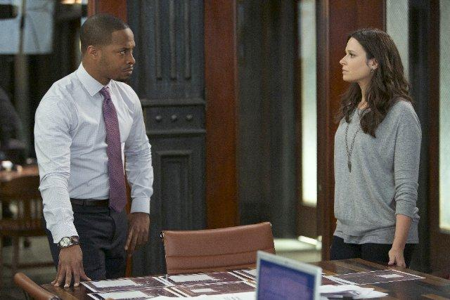 Still of Katie Lowes and Cornelius Smith Jr. in Scandal (201