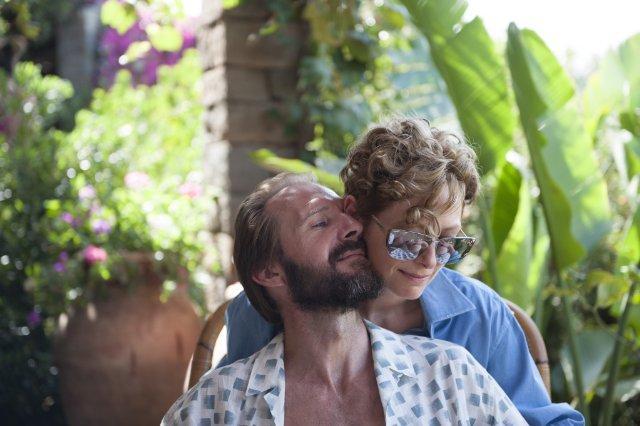 Still of Ralph Fiennes and Tilda Swinton in A Bigger Splash