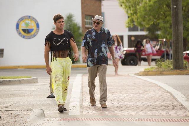 Still of Robert De Niro and Zac Efron in Dirty Grandpa (2016