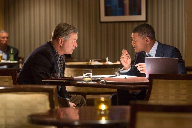 Still of Will Smith and Alec Baldwin in Concussion (2015)