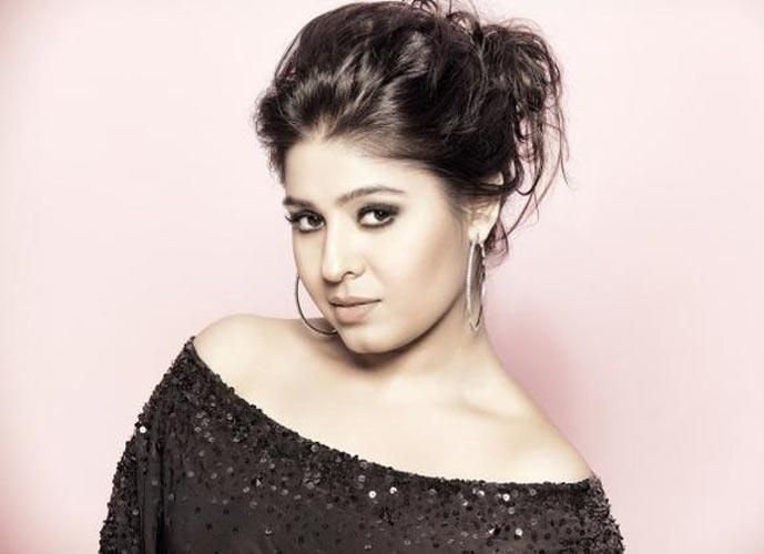 Sunidhi Chauhan Facts About The Liveliest Voice Of Bollywood Cinema