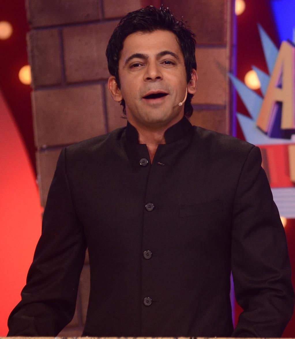 Sunil Grover Wife Name Pictures Wedding Marriage Family Photos