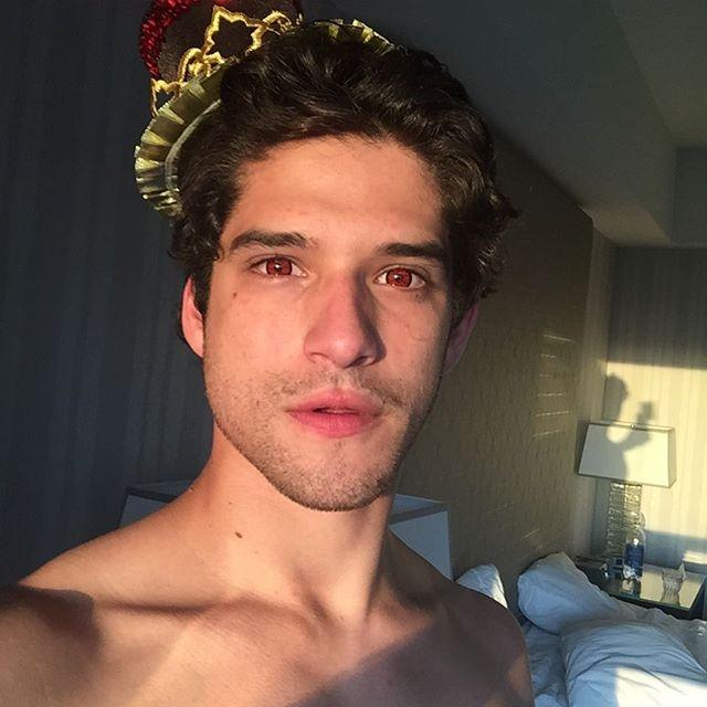 Teen Wolf' Season 5B Tyler Posey Vows To Stay In