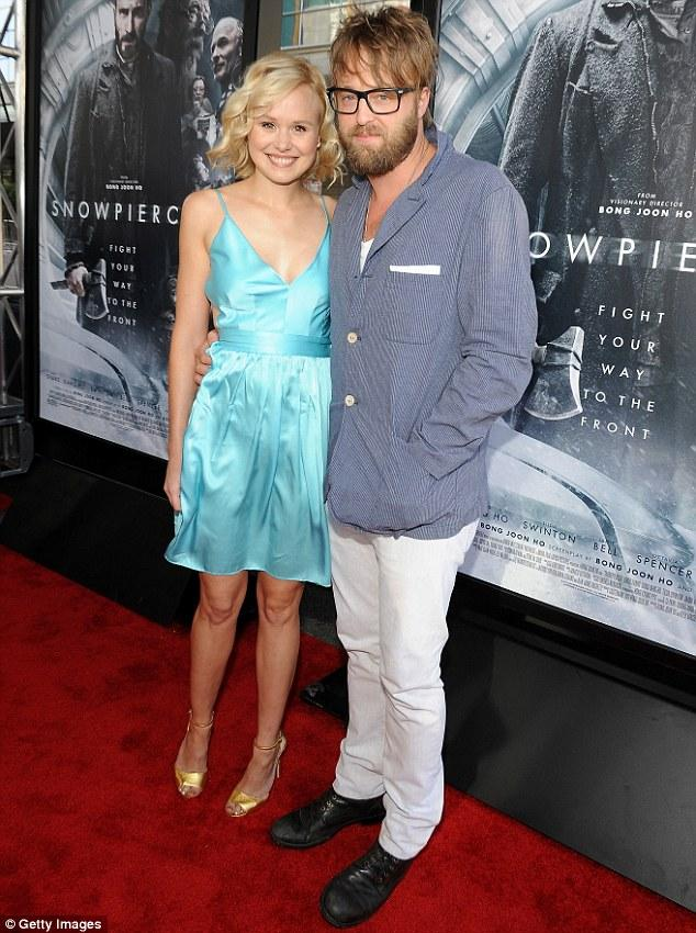 The Newsroom's Alison Pill Announces Engagement To Joshua Leonard